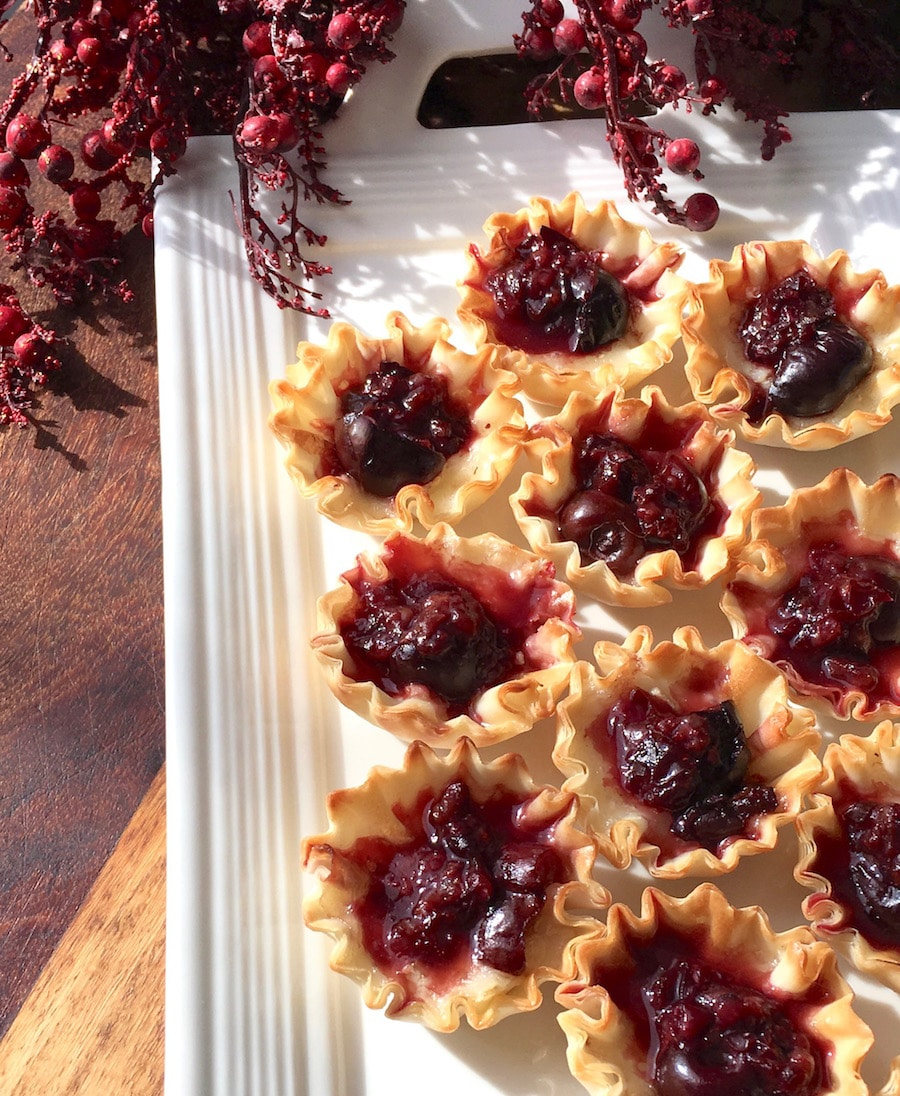 A Brie and Dark Cherry Hor D'oeuvres